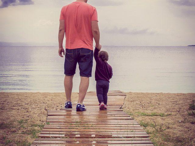 https://adwokatkuligowska.pl/wp-content/uploads/2019/07/fathers-day-822550_1280-640x480.jpg